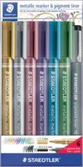 Staedtler Metallic marker, etui van 6 stuks in geassorteerde kleuren + Pigment Liner zwart gratis
