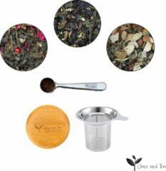 Roestvrijstalen Thee pakket met daarin 3 x 75gr thee, 1 luxe theezeef en 1 maatschep - Come and Tea - Cadeau - Kruiden thee - Zwarte thee - Groene thee - Kwaliteit thee - Verwenpakket - Gezondheid - Gezond leven
