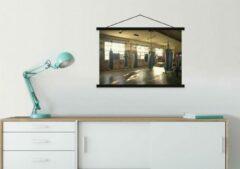 TextilePosters Verschillende bokszakken hangen aan het plafond in een fitnesszaal schoolplaat platte latten zwart 60x45 cm - Foto print op textielposter (wanddecoratie woonkamer/slaapkamer)
