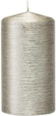 Trend Candles 1x Zilveren cilinderkaars/stompkaars 7 x 13 cm 25 branduren - Geurloze zilverkleurige kaarsen - Woondecoraties