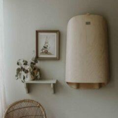 Naturelkleurige ByBO Design Nathi Wandcommode - Naturel whitewashed hout met écru kussen - Verzorgingstafel - Veilig - Opklapbaar – Compact – Hygiënisch - Horizontaal - Horeca en Openbare Gelegenheden