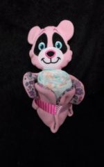 Roze Sabinesgeschenkenshop.be Knuffeldoekje panda roos met pampers
