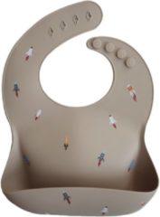Zandkleurige Mushie Siliconen Baby Slabbetje met Opvangbakje | Rocket | BPA ftalaatvrij| afwasbaar