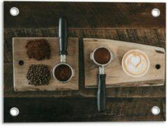 Beige KuijsFotoprint Tuinposter – Gemalen Koffiebonen en Koffie op een Plankje - 40x30cm Foto op Tuinposter (wanddecoratie voor buiten en binnen)