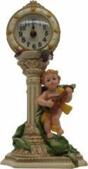 Beige Engel beeldje staand tegen tafelklok – engelbeeldjes decoratie 27 cm hoog polyresin | GerichteKeuze