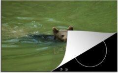 Bruine KitchenYeah Luxe inductie beschermer Zwemmende Beer - 78x52 cm - Een Europese beer die aan het zwemmen is - afdekplaat voor kookplaat - 3mm dik inductie bescherming - inductiebeschermer