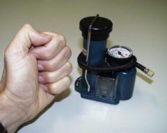 Blauwe Repusel Voetpomp met drukmeter