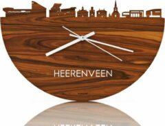 Bruine WoodWideCities Skyline Klok Heerenveen Palissander hout - Ø 40 cm - Woondecoratie - Wand decoratie woonkamer