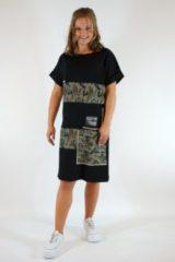 Merkloos / Sans marque La Pèra Zwart- Legergroene Jerseyjurk SNT T-Shirt jurk legerprint Dames- Maat S