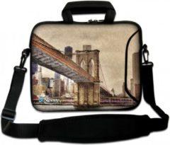 Bruine Sleevy 15,6 Laptoptas / laptophoes met voorvak Brooklyn Bridge uit New York - slanke laptoptas - dunne laptoptas - heren laptoptas - dames laptoptas