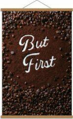 Bruine KuijsFotoprint Schoolplaat – Koffiebonen met Tekst '''But First'' - 60x90cm Foto op Textielposter (Wanddecoratie op Schoolplaat)