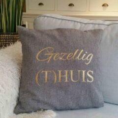 Grijze Maison Marcella Kussenhoes met tekst gouden opdruk | Gezellig thuis huis | 40x40cm | kussensloop kussen woonkamer luxe zacht