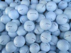 Witte Golfballen gebruikt/lakeballs Titleist Pro V1X model 2012 AAA klasse 50 stuks.