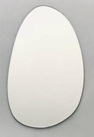Afbeelding van Qloek Spiegel (im)perfect ovaal organisch - 60 x 37 cm - glas - incl. ophanging