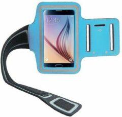 Lichtblauwe Elemental GOods Handige Mobielhouder Arm Voor Hardlopen - Licht Blauw - Armband - Telefoonhouder - Muziek - Joggen - Sporten - Fitness - Cardio