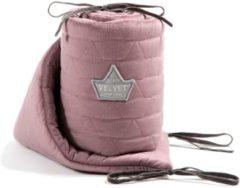 Paarse La Millou VELVET COLLECTION - French Lavender - BedBumper 60cm X 120cm - Bedomrander - Stootrand