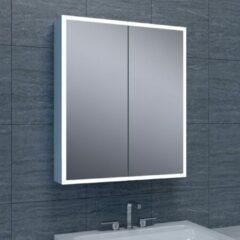 Douche Concurrent Spiegelkast Quatro 60x70x13cm Aluminium Geintegreerde LED Verlichting Sensor Lichtschakelaar Stopcontact Glazen Planken