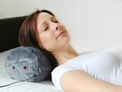 Hydas Nackenrolle mit Massage- und Wärmefunktion