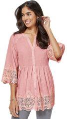 Roze Alessa W. blouse met filigraan verwerkt kanten beleg voor