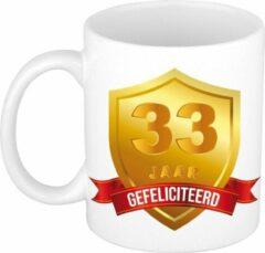 Bellatio Decorations Gefeliciteerd 33 Jaar Gouden Schild Jubileum/ Verjaardag Mok - Cadeau Beker Verjaardag, Jubileum, 33 Jaar In Dienst