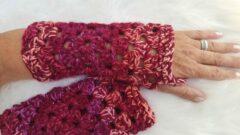 Merkloos / Sans marque Handgemaakte dames vingerloze bordeauxrood, roze met glinsterdraad handschoenen . Maat one size