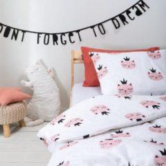 Witte Fresh&Co  Kids Fresh&Co Kids - Junior Kinderdekbedovertrek Sleepy Kitten 100x135 cm - Katoen - Kinderdekbedovertrek met 1 Kussensloop