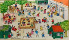 De K van Kinderen Houten framepuzzel Bas op het plein