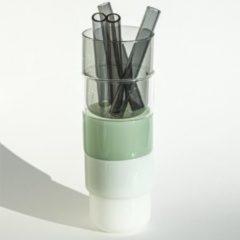 4 borosilicaat stapel glazen 250 ml, mint groen - wit - grijs - transparant glas met 4 dikke grijzen glazen rietjes. 100% vaadwasser veilig Nederlands ontwerp Maarten Baptist