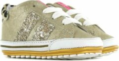 Shoesme gouden babysneaker met shiny strepen en luipaard hiel...