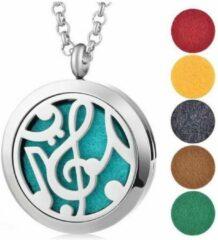 Zilveren Akyol Geurketting voor de muziekliefhebber | Ketting met aroma therapie medaillon | Hanger met muzieksleutel 25mm + Geschenkzakje