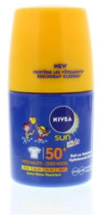 Witte NIVEA SUN Kids Zonnebrand - Hydraterende Roll-on Zonnecrème - SPF 50+ - 50 ml