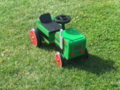 Groene Houten Tractor Loopauto, Playwood