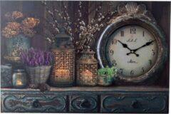 XL Canvas Schilderij Wandklok CABINET CLOCK LANTARN CANDLE & FLOWERS met Klok - Wand Klok Landelijk / Brocante - Canvasklok - Canvas Wandklokken met Klok - Keukenklok - Muurklok Wand Klok - Afm. 60 x 40 Cm - Decopatent®