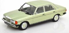 KK Scale Mercedes-Benz 280E (W123) Bouwjaar 1977 Groen Metallic 1:18 KK-Scale Limited 1000 Pieces