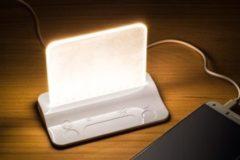 Witte Integral Ledlamp Tafellampje stroomdoorvoer om tablet of mobiel te laden Dimbaar dmv dimtoets ILTLWH