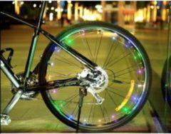 JY&K Fietslicht slinger   LED   Spaakwiel verlichting   Fietsverlichting   Decoratie fiets   Verlichting   Incl. batterijen