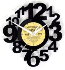 Zwarte Yesterdays Vinyl LP wandklok met speelse cijfers - Vinyl klok - 27 CM
