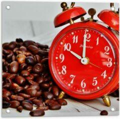 KuijsFotoprint Tuinposter – Koffiebonen met Rode Wekker - 50x50cm Foto op Tuinposter (wanddecoratie voor buiten en binnen)