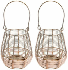 Goudkleurige Merkloos / Sans marque 2x Metalen/rieten lantaarns kaarsenhouders goud 18 x 23 cm - Gouden windlicht - Woonaccessoires/woondecoraties
