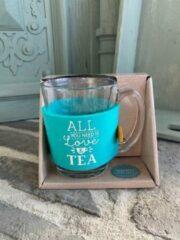 Blauwe Creaties van hier Theeglas / met tekst All you need is love & tea / cadeau / verjaardag / kerstmis / vaderdag / moederdag / vriendschap
