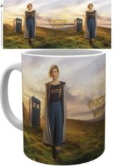 Witte Doctor Who 13th Doctor Mok
