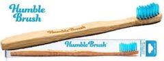 Blauwe HUMBLE BRUSH Bamboe tandenborstel - Houten, vegan tandenborstels - Duurzame, milieuvriendelijk en biologisch afbreekbaar met BPA-vrije borstelharen (Medium)