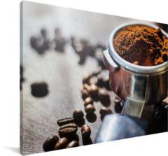 MuchoWow Vers gemalen koffiebonen in ochtendlicht Canvas 180x120 cm - Foto print op Canvas schilderij (Wanddecoratie woonkamer / slaapkamer) XXL / Groot formaat!
