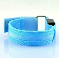 Mundo 2 stuks Led verlichte armband (blauw) voor sportievelingen die hardlopen, fietsen en wandelen en verder iedereen die in het donker gezien wil worden - Sport armband - Hardloop verlichting lampjes - Veiligheidsband - Reflecterende armband