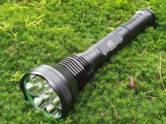 Zwarte Unlimited Products - Zaklamp - 10000 lumen - 9 LEDS - Waterproof IP-54
