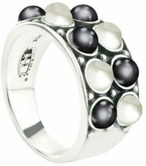 Grijze SYMBOLS Silver Ring with White and Grey Mother of Pearl Oxidize