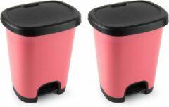 Forte Plastics Set van 2x stuks kunststof afvalemmers/vuilnisemmers/pedaalemmers in het roze/zwart van 27 liter met deksel en pedaal. 38 x 32 x 45 cm.