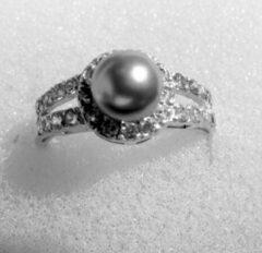 Hetty'S Sierlijke zilveren ring met grijze parel en CZ