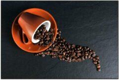 Oranje KuijsFotoprint Poster – Koffiekop met omgevallen Koffiebonen - 60x40cm Foto op Posterpapier