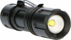 Zwarte Proventa PRO LED Zaklamp met zoomfunctie - Dimbaar - Waterdicht - Tot 150 meter